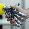 Trocha robotickej makroekonómie: Prečo sa o svoje živobytie nemusíme báť ani v budúcnosti