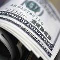 Shell nedôveruje euru, presúva hotovosť do USA