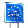 Po 20 rokoch od osamostatnenia sa zarábajú Slováci 80 % českých platov