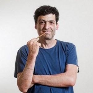 Ekonóm Dan Ariely: V spoločnosti bez peňazí by ľudia podvádzali viac