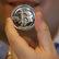 Bitcoin: Kryptomena sa dnes rozštiepi, kurz láme rekordy