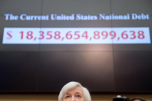 Stiglitz o tom, �o pot�pa svetov� ekonomiku: ��elov� podpora b�nk len nafukuje �al�iu bublinu