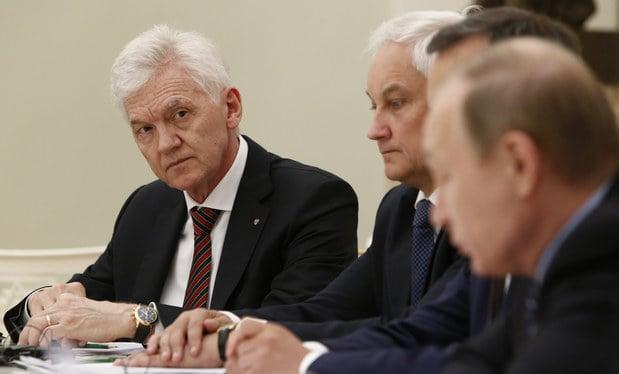 Vľavo Gennadij Timčenko