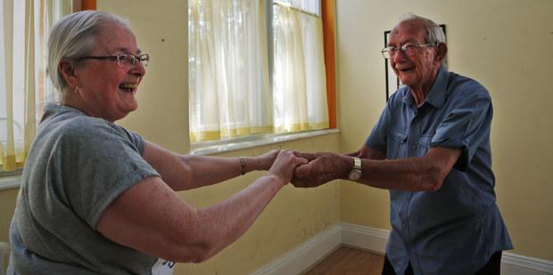 Prečo sa oplatí odkladať si na dôchodok: Svet čelí penzijnej katastrofe, dlh rastie do obludných veľkostí