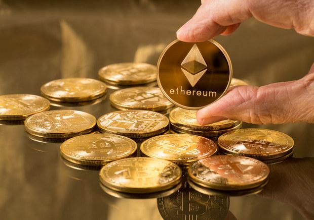 Malých investorov regulácia netrápi: Nadišiel ideálny čas na vypranie peňazí, vďaka kryptomenám sa môžete stať obeťou podvodu