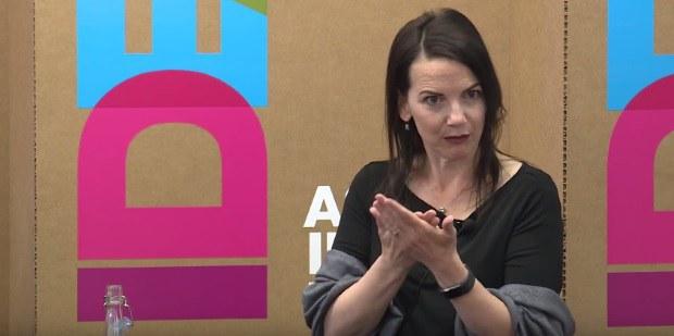 Julianne Holt-Lunstadová, profesorka psychológie na univerzite Brigham Young v Utahu